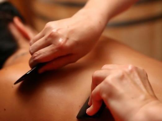 Чим роблять масаж?