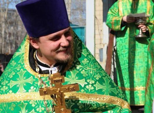 До чого сниться священик?