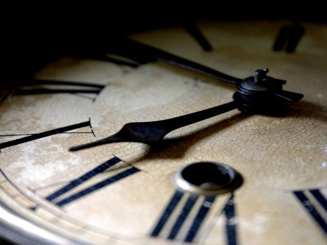 Як годинник впливають на відносини між людьми і чому їх не можна дарувати?