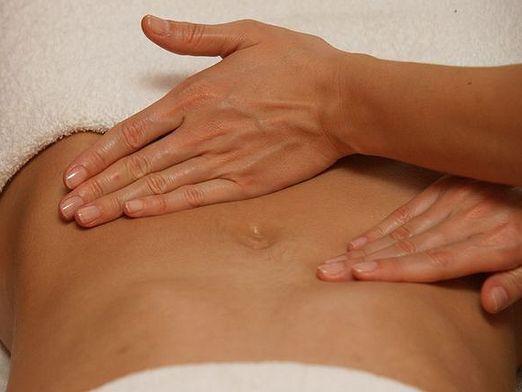 Як робити масаж живота?