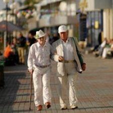 Як забезпечити здоров`я в старості, піші прогулянки і здоровий спосіб життя