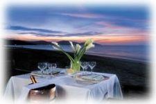 Як організувати романтичну вечерю на човні і озері