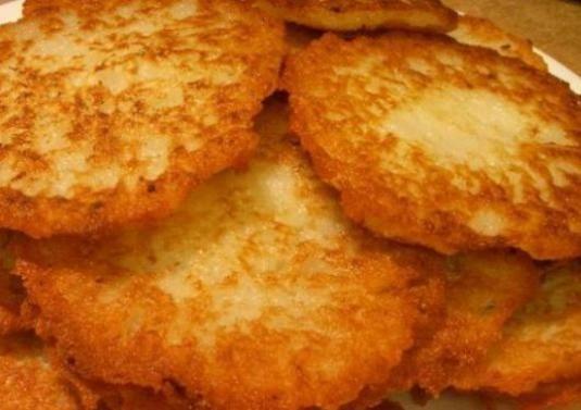 Як приготувати деруни з картоплі?