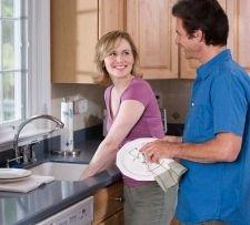 Як приготувати засіб для миття посуду в домашніх умовах