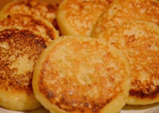 Як приготувати сирники з сиру?