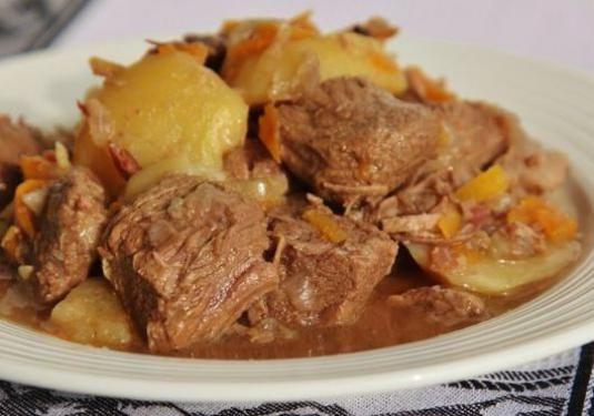 Як приготувати тушковане м`ясо?