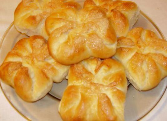 Як зробити булочки з тіста?