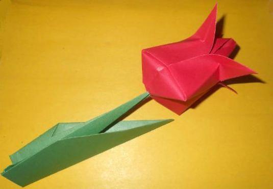 Як зробити з паперу саморобку?