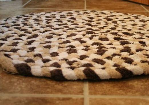 Як зробити килимок своїми руками?