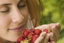 Як зробити маску для обличчя з полуниці