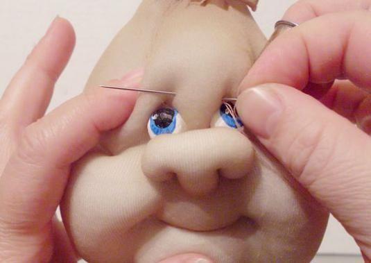 Як зшити ляльку з колготок?