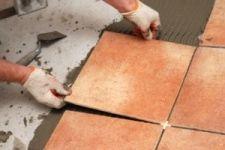 Як укладати плитку на підлогу