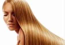 Як зволожити волосся влітку
