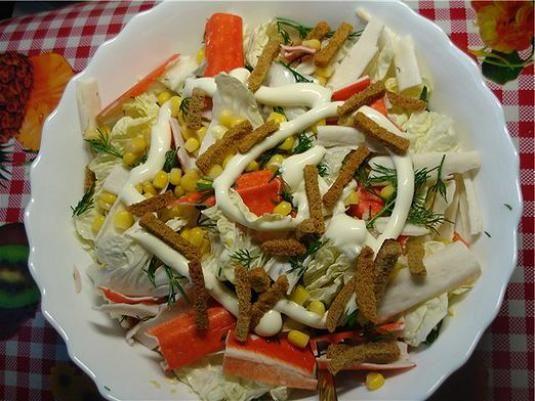 Рецепти салату з сухариками