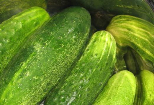 Скільки калорій в огірку?