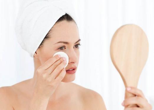 Поради по демакіяжу для вашого типу шкіри