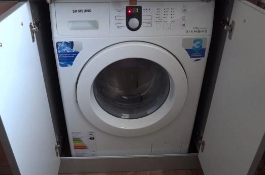 Пральна машинка самсунг не віджимає і не зливає воду: що робити?