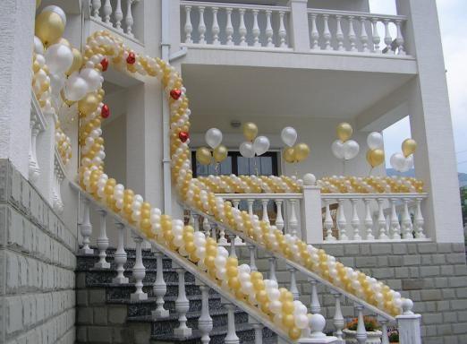 Весільний декор з повітряних кульок